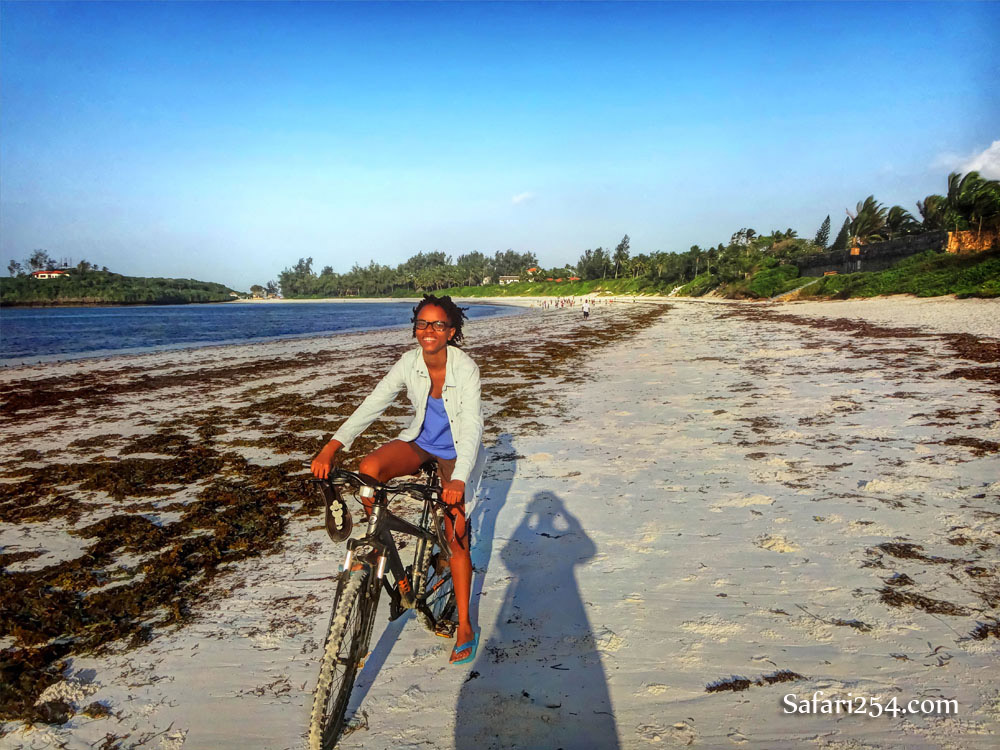 Watamu beach_me on bike